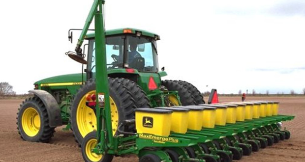 Modern Agricultural Technology and Machinery Usage in Agriculture